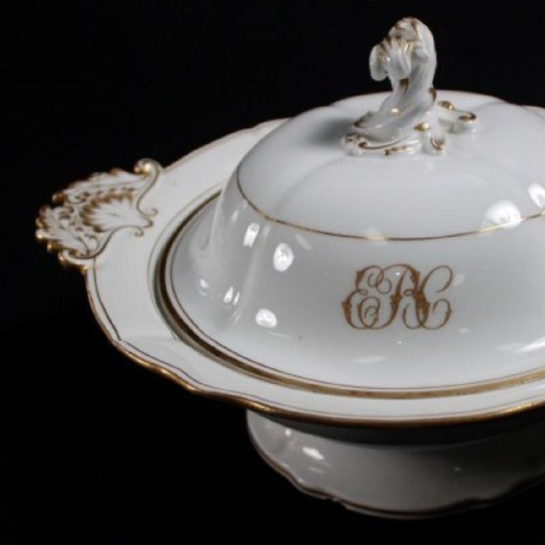 19TH C MEISSEN PART DINER SERVICE WITH THE UNDER GLAZED - 5