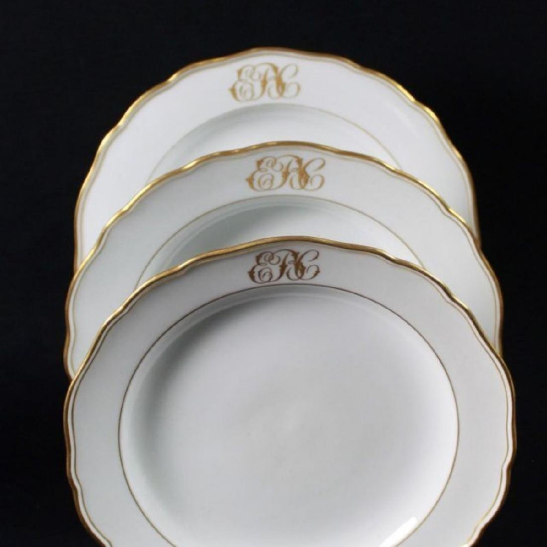19TH C MEISSEN PART DINER SERVICE WITH THE UNDER GLAZED - 8
