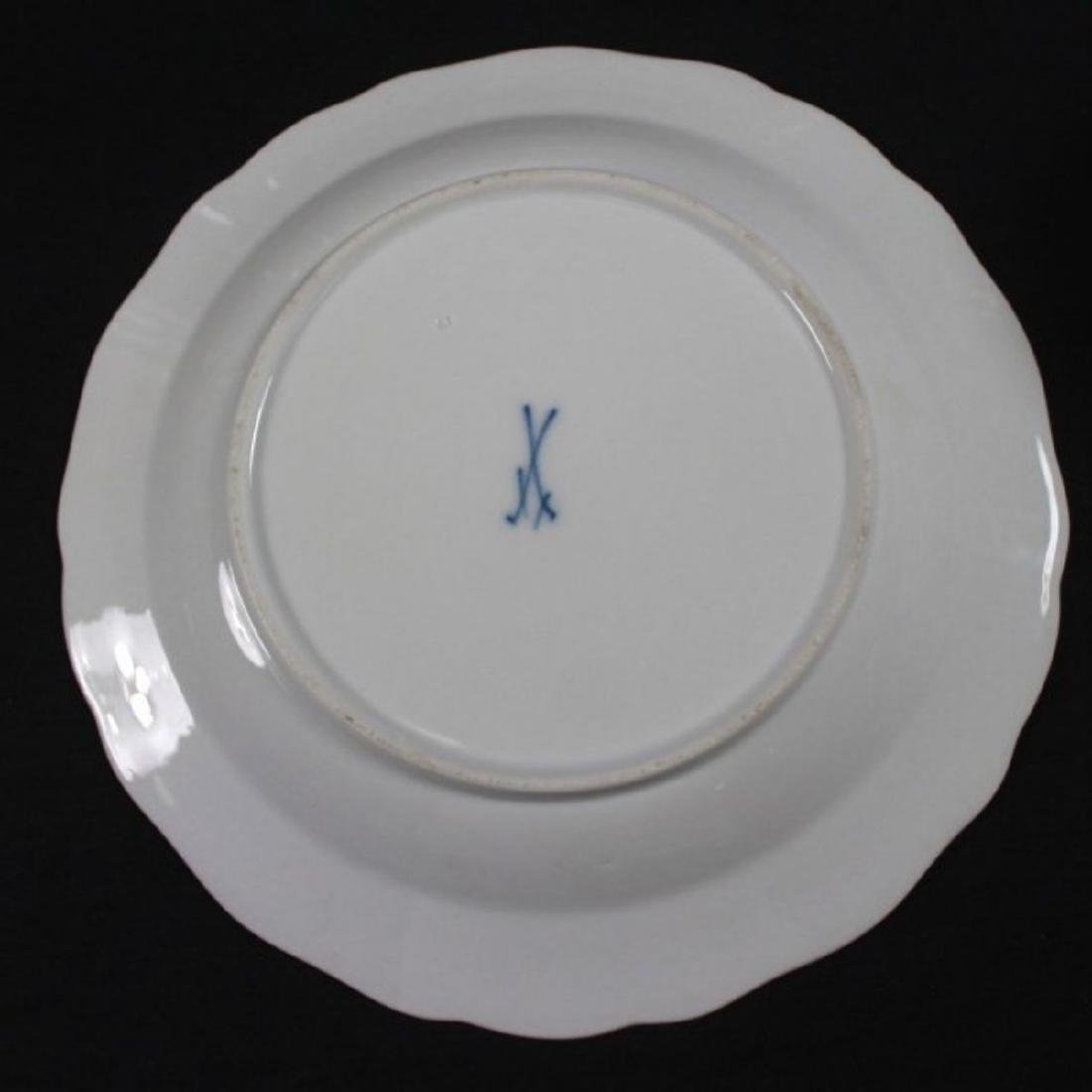 19TH C MEISSEN PART DINER SERVICE WITH THE UNDER GLAZED - 9