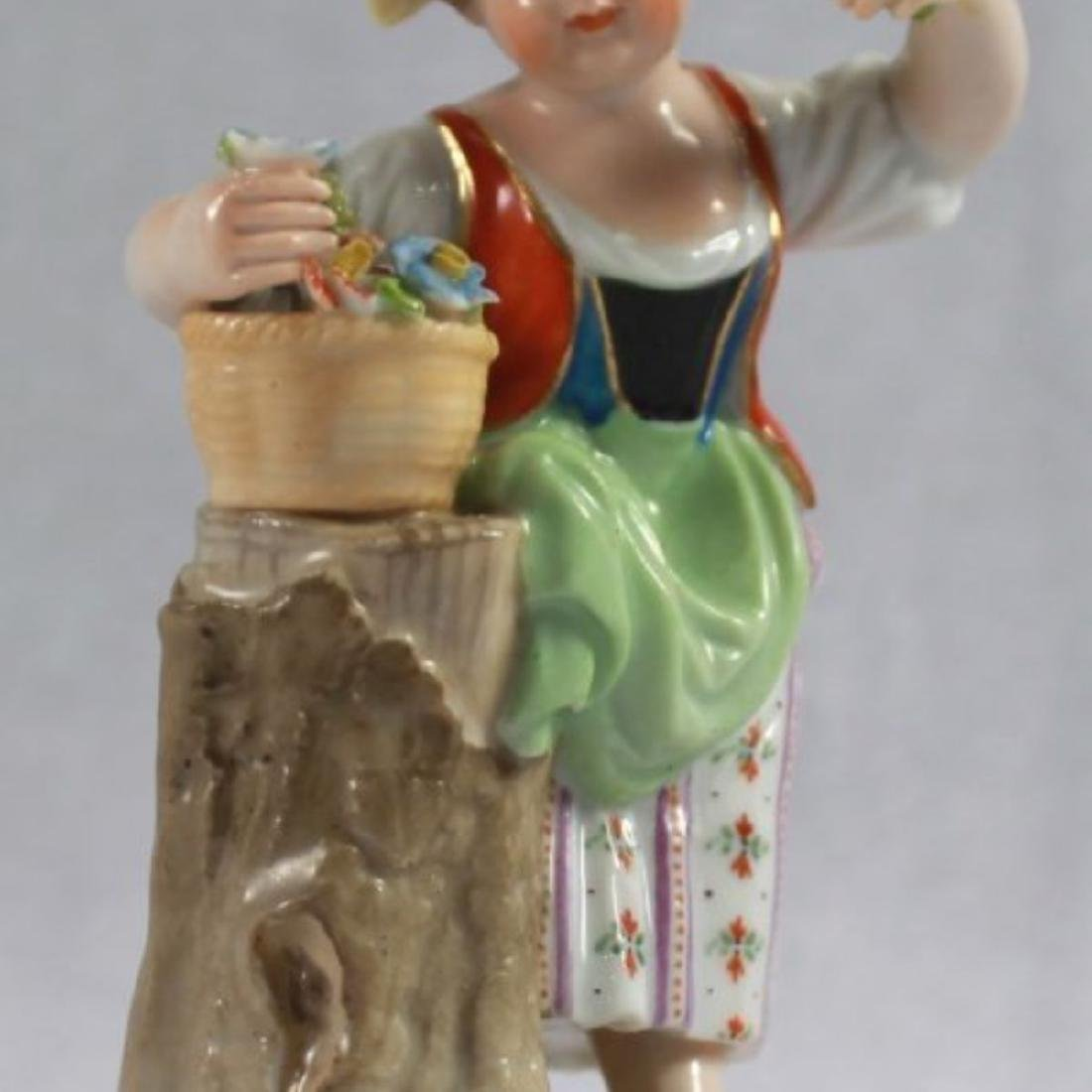 ANTIQUE 19TH C. MEISSEN PORCELAIN FIGURE OF A GIRL