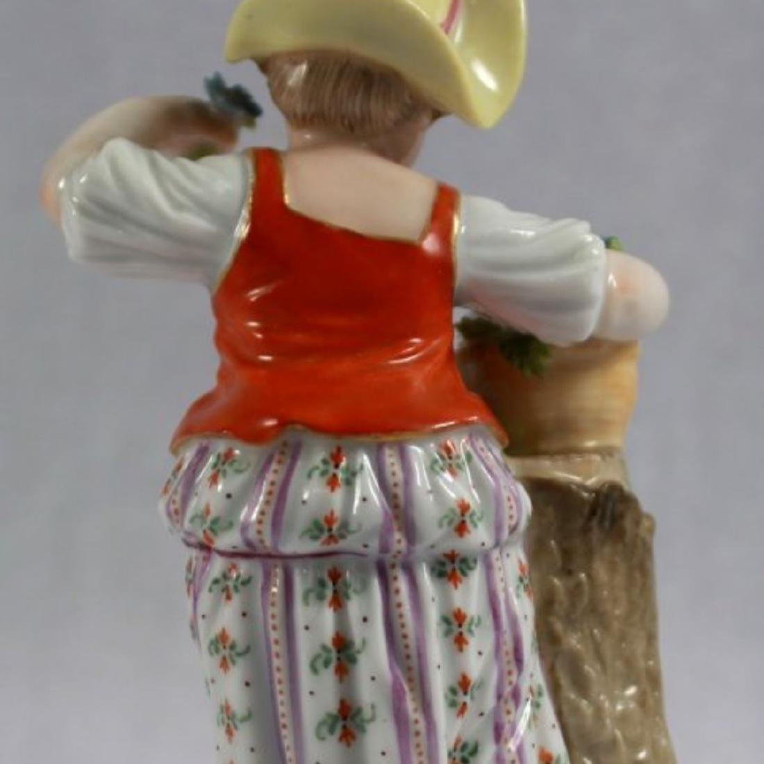 ANTIQUE 19TH C. MEISSEN PORCELAIN FIGURE OF A GIRL - 4