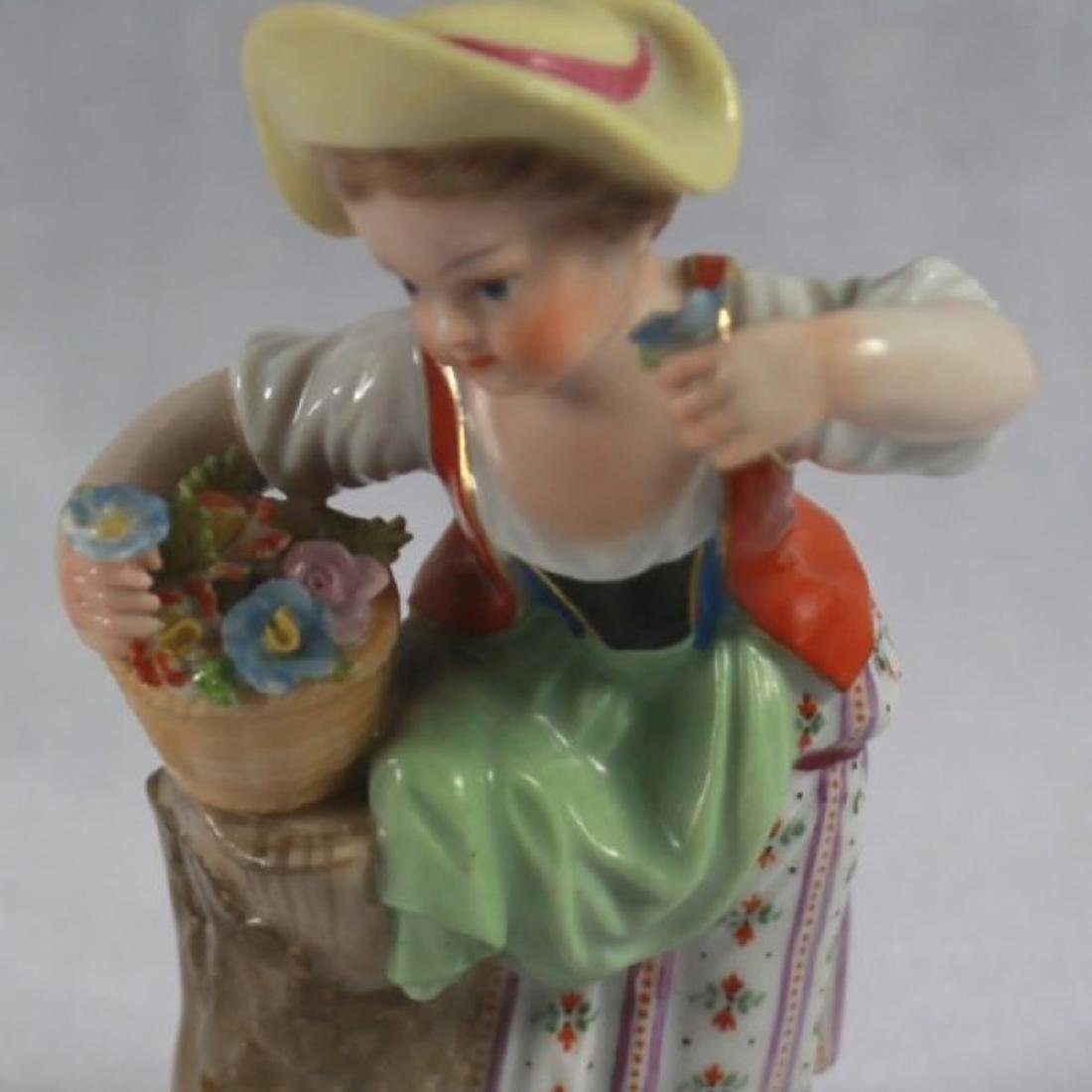 ANTIQUE 19TH C. MEISSEN PORCELAIN FIGURE OF A GIRL - 8