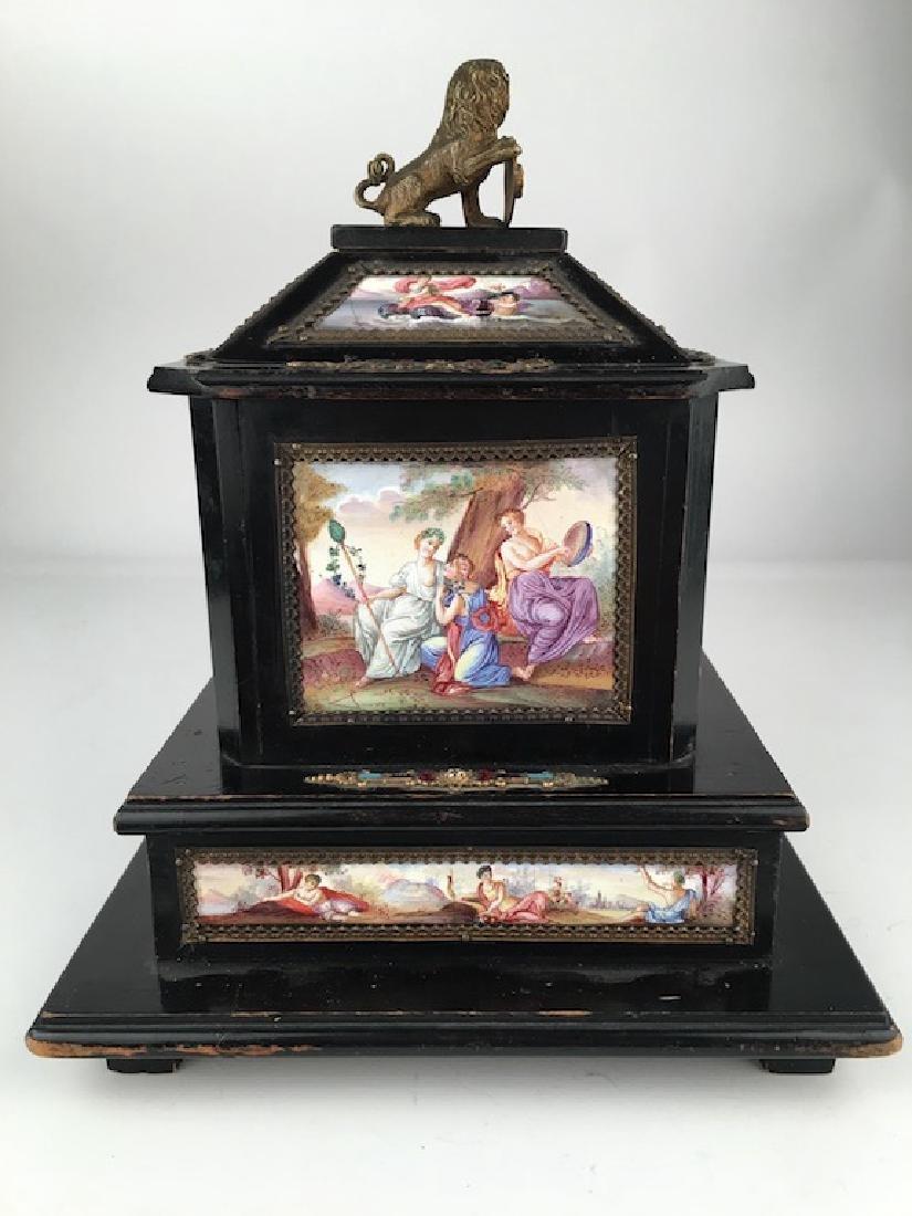 Antique casket box with sixteen porcelain painted - 7