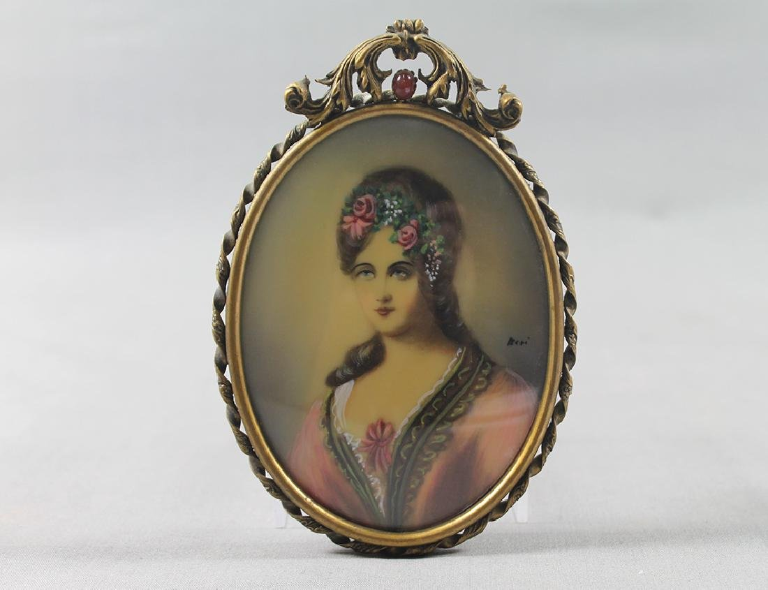 Pair of Victorian woman portraits in miniature brass - 2