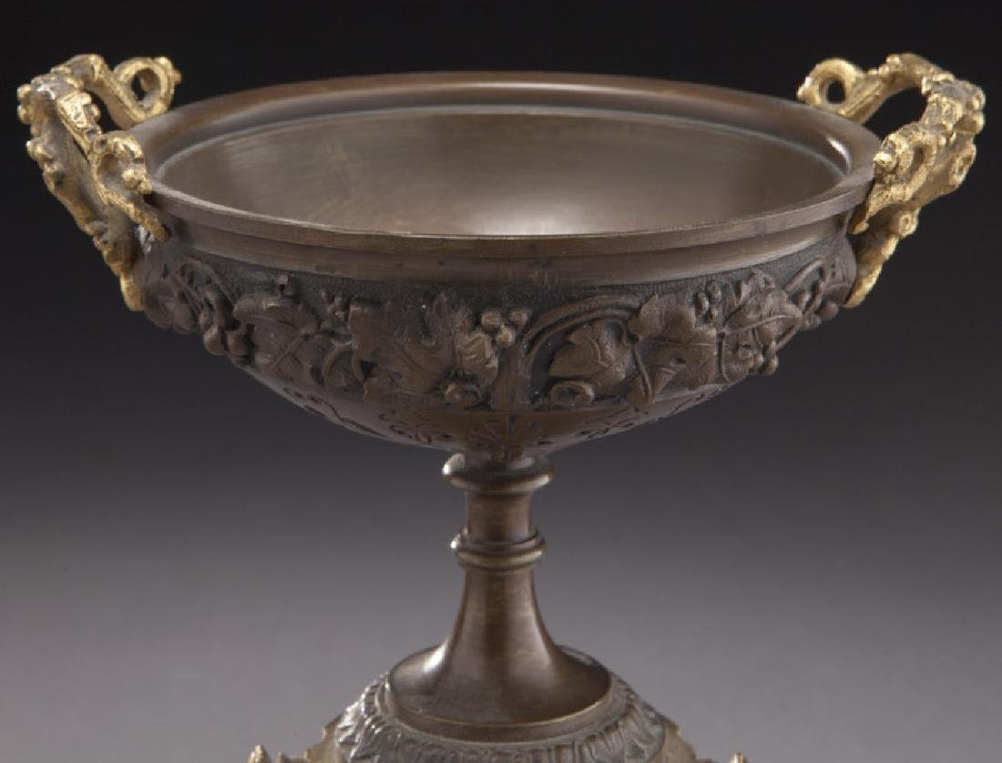 Pr. gilt and patinated bronze tazza - 3