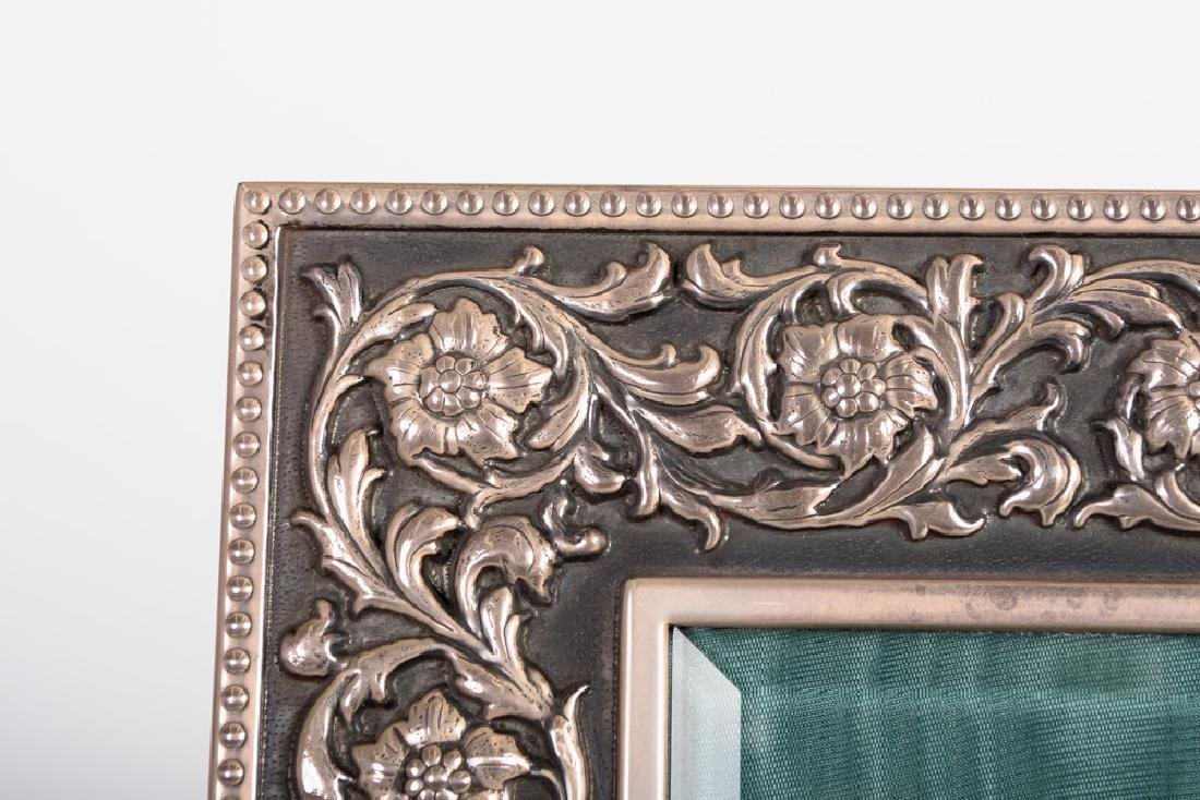 BUCCELLATI STERLING SILVER PICTURE FRAME - 8