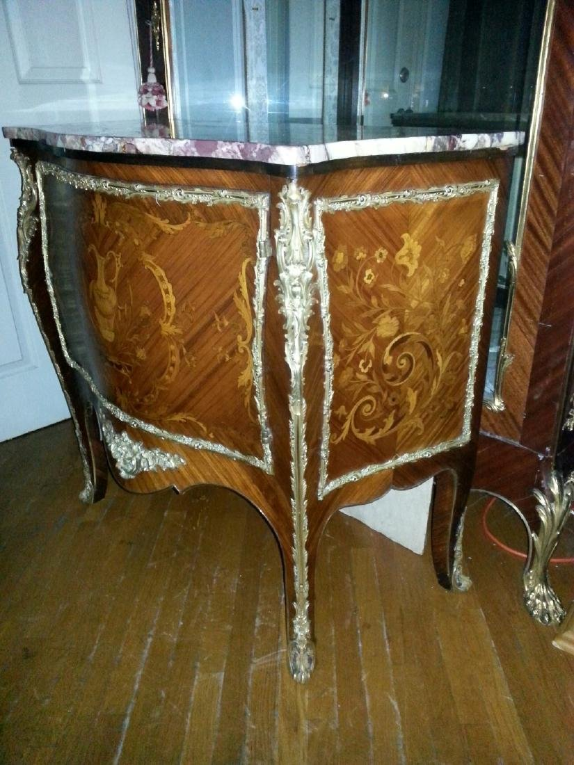 A FRENCH MARQUETRY BRONSE ORMOLU COMMODE. LATE 19th - 3