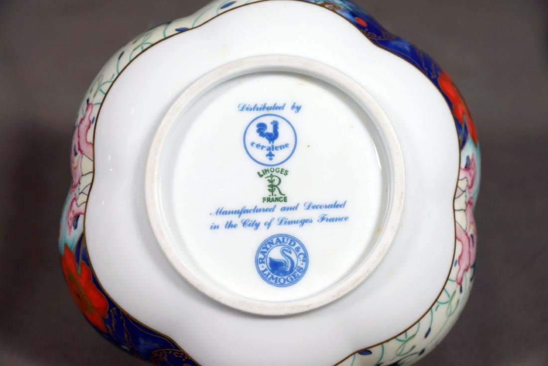 SMALL COLLECTION OF LIMOGES DINNERWARE - 6
