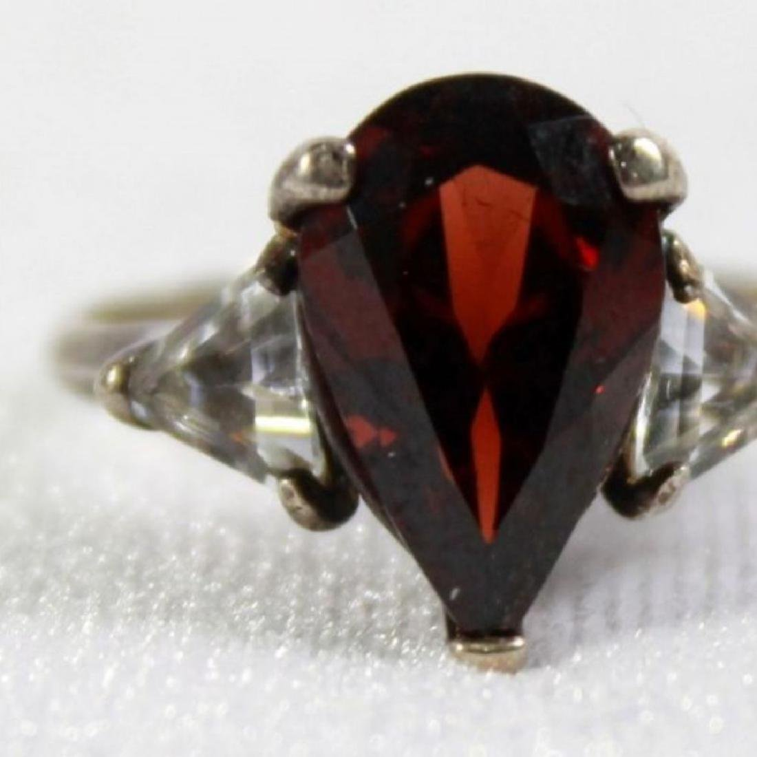 Red Pear Shaped Ring With 2 White Trillian Stones On - 3
