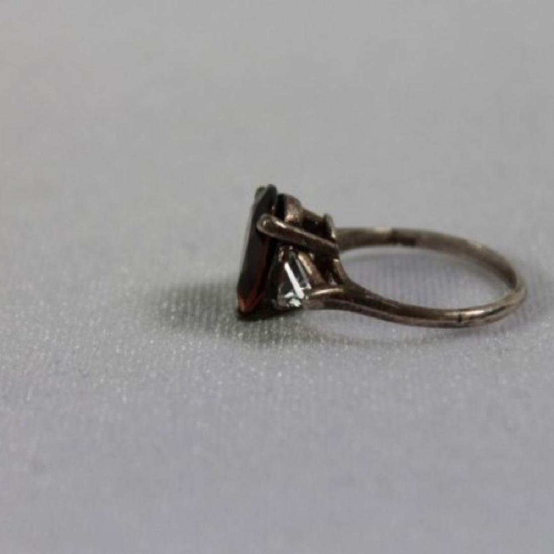Red Pear Shaped Ring With 2 White Trillian Stones On - 6