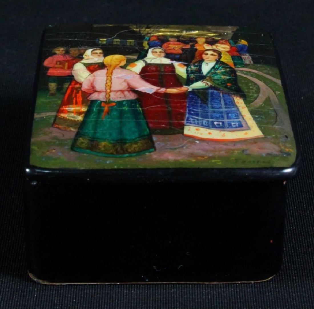 Small Russian Lacquered Box - 3