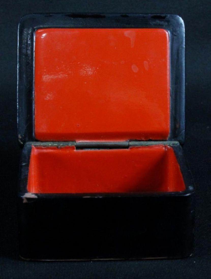 Small Russian Lacquered Box - 4