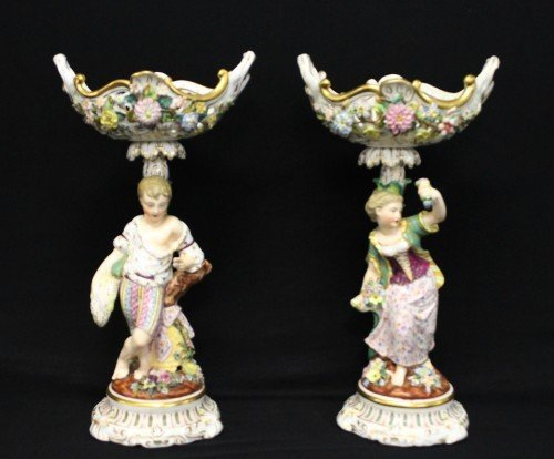 PAIR OF MEISSEN STYLE CAKE STANDS