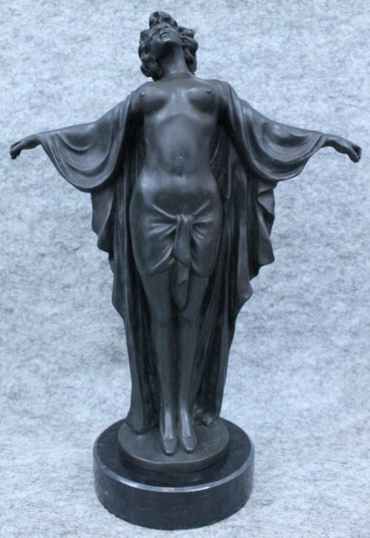 BRONZE OF NUDE WOMAN SIGNED