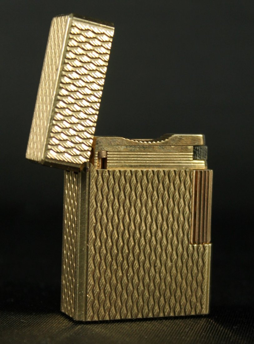 ST DUPONT LIMITED EDITION GOLD TONE LIGHTER