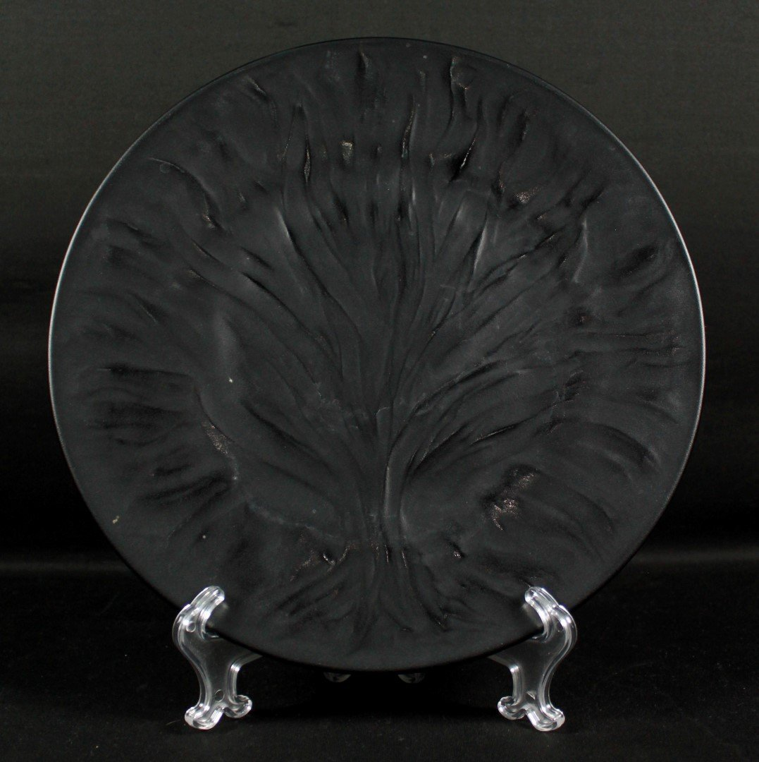 LALIQUE BLACK PLATE