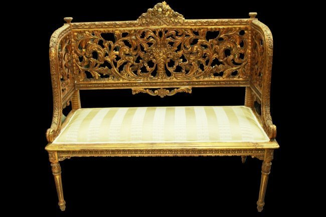 RENAISSANCE STYLE CARVED AND GILT BENCH