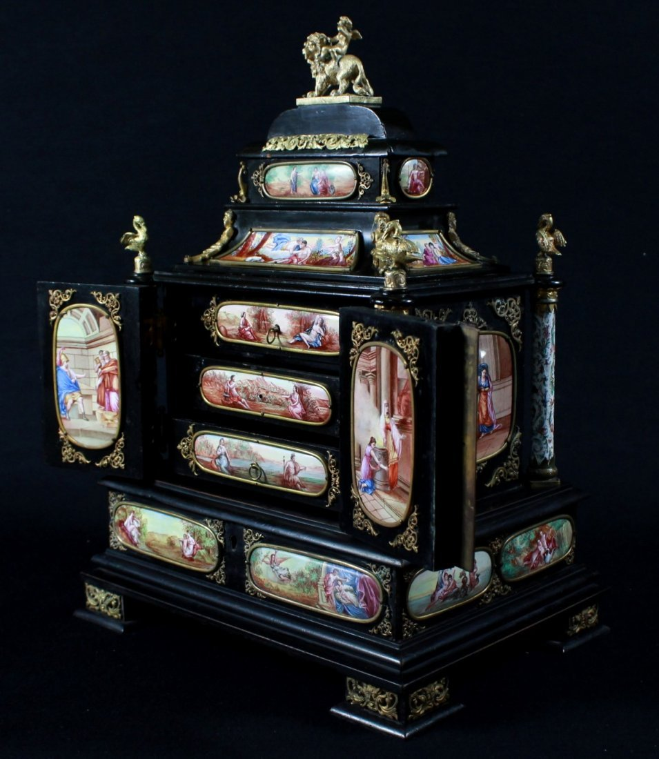 MAGNIFICENT VIENNESE ENAMEL JEWELRY BOX