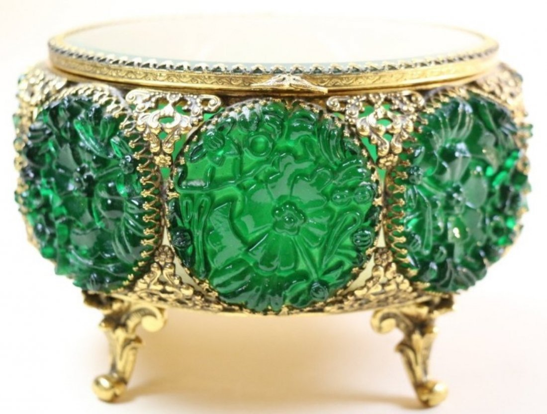 EMERALD AND GILT FOOTED DRESSER BOX - 2
