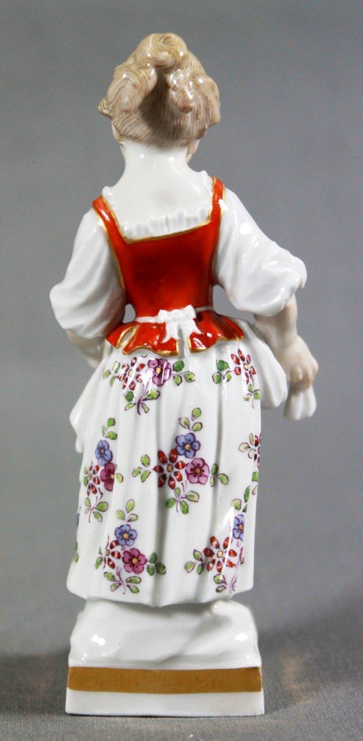 MEISSEN FIGURE OF GIRL WITH FRUIT - 3
