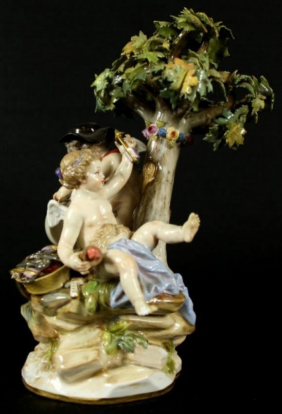 19TH C. MEISSEN GROUP OF CHERUBS WITH BOWS AND ARROWS