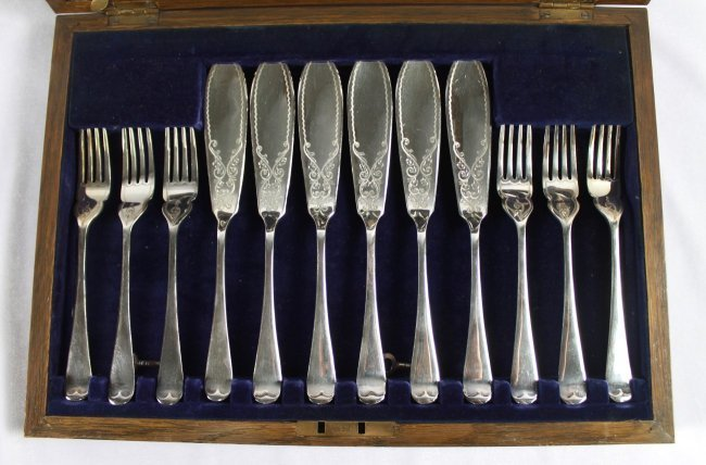 24 PC. ENGLISH SILVER PLATE SILVERWARE SET - 3