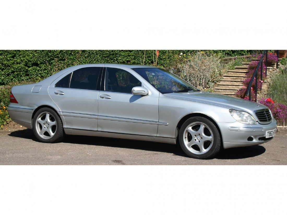 3: Mercedes S500 registered in 1999, finished in metall