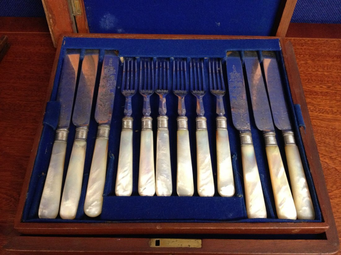 9: A cased set of six George III silver plated, mother