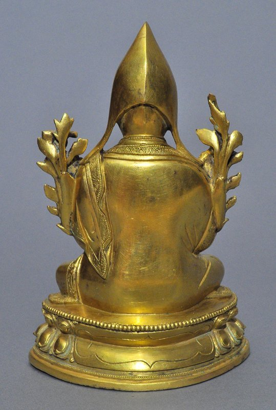 A Sino-Tibetan Gilt Bronze Tsong Khapa - 2