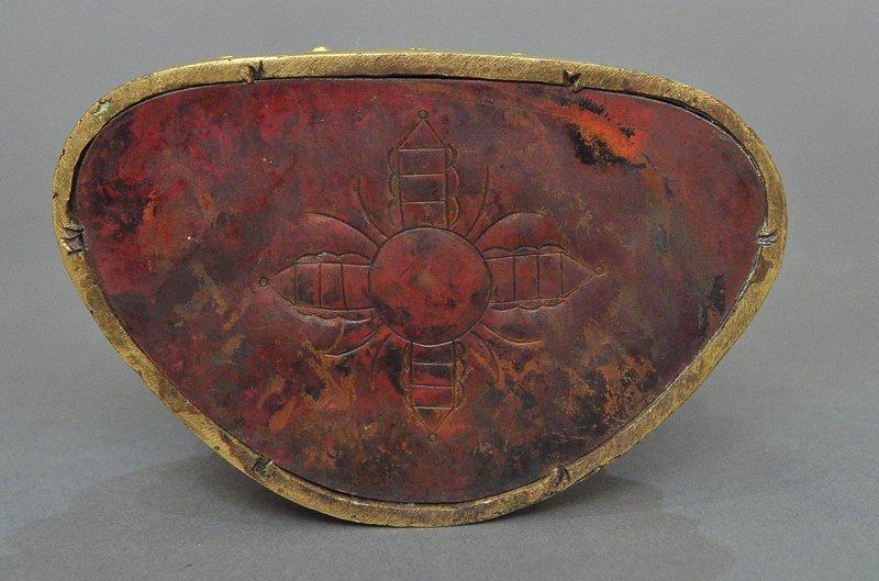 A Sino-Tibetan Gilt Bronze Tsong Khapa - 3