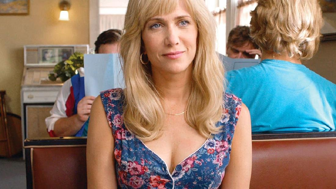 Kristen Wiig Screen-Worn Dress and Earrings from Masterminds - 5