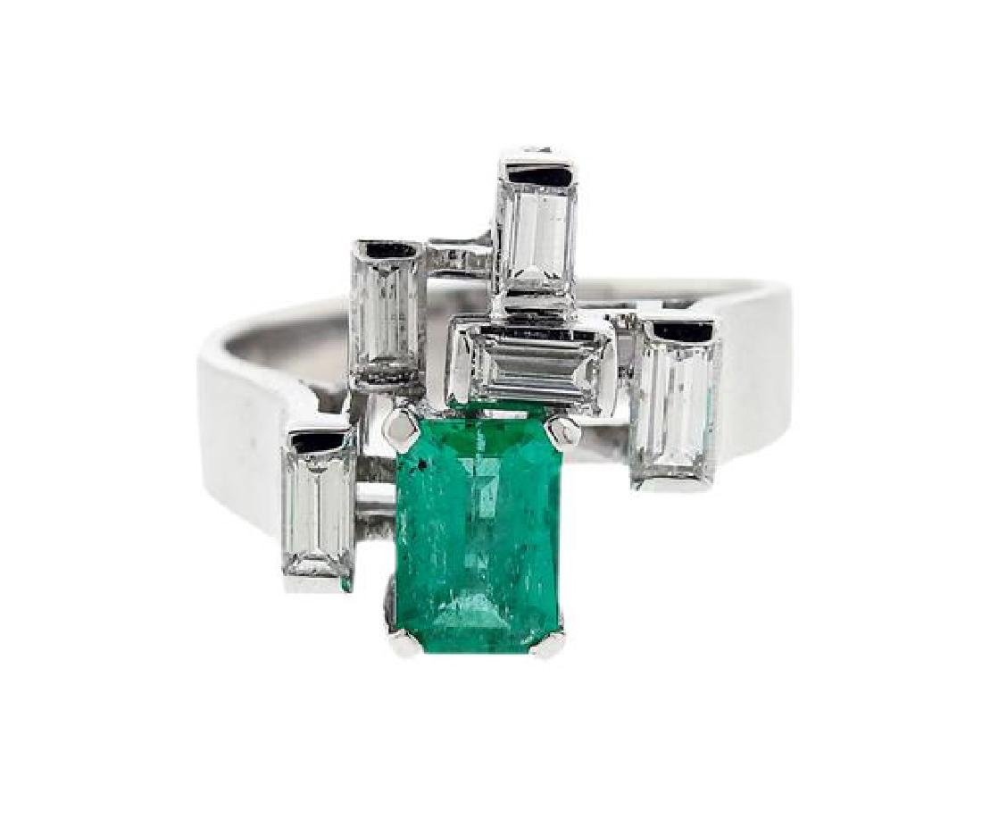 14K Gold Diamond Green Stone Ring