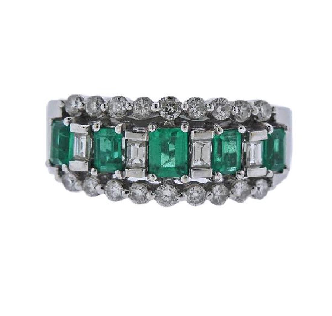 18k Gold Diamond Green Stone Ring
