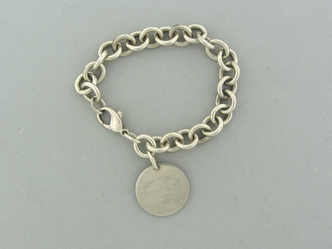 009: Tiffany & Co Sterling Silver Circle Charm Bracelet