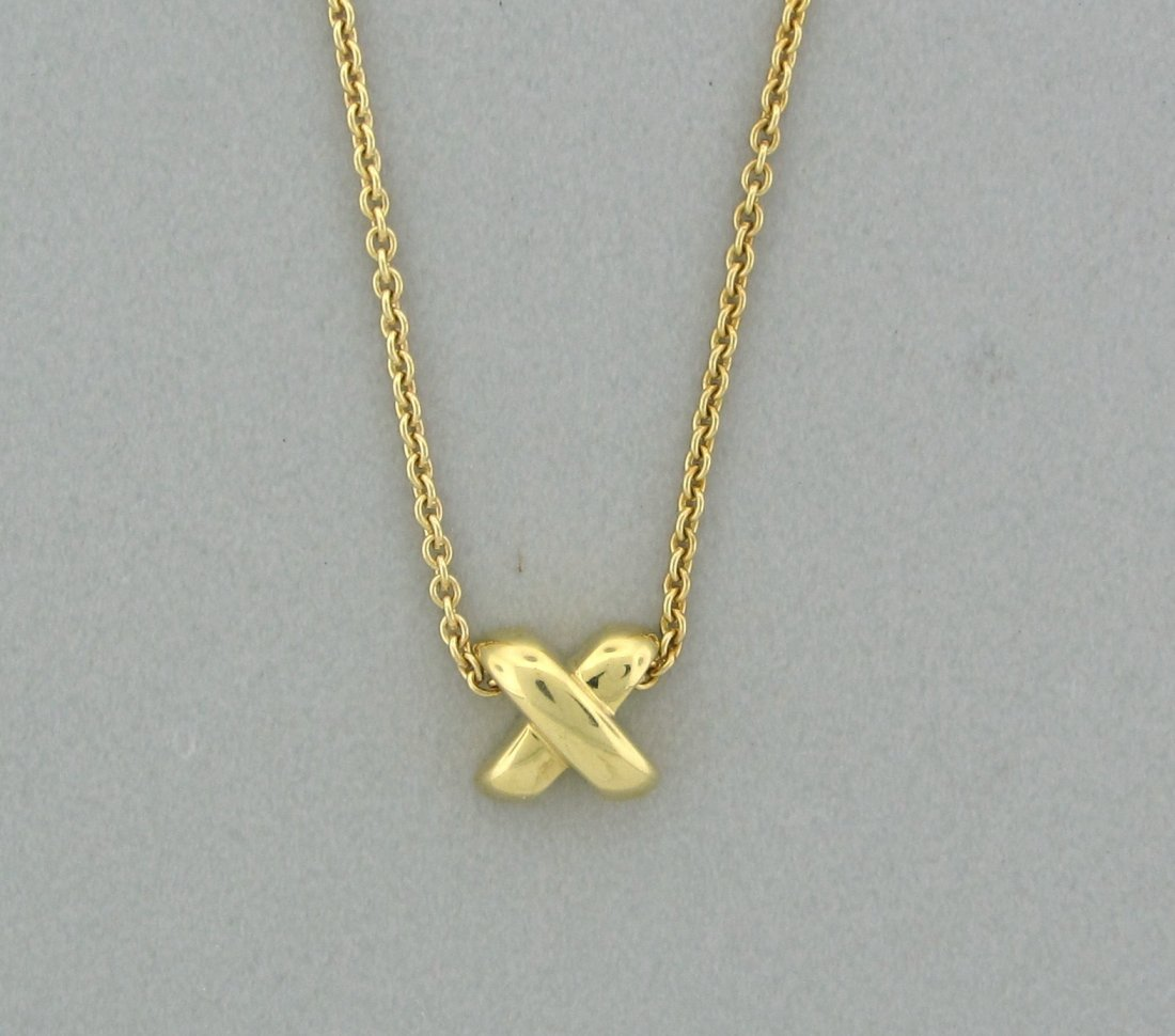 010: Tiffany & Co 18K Yellow Gold Signature Pendant Nec