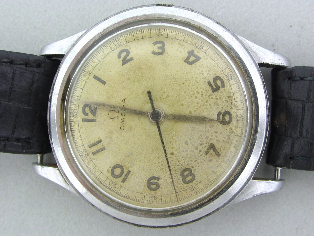 390: Rare 1940s Omega Military Watch ref 2179/4