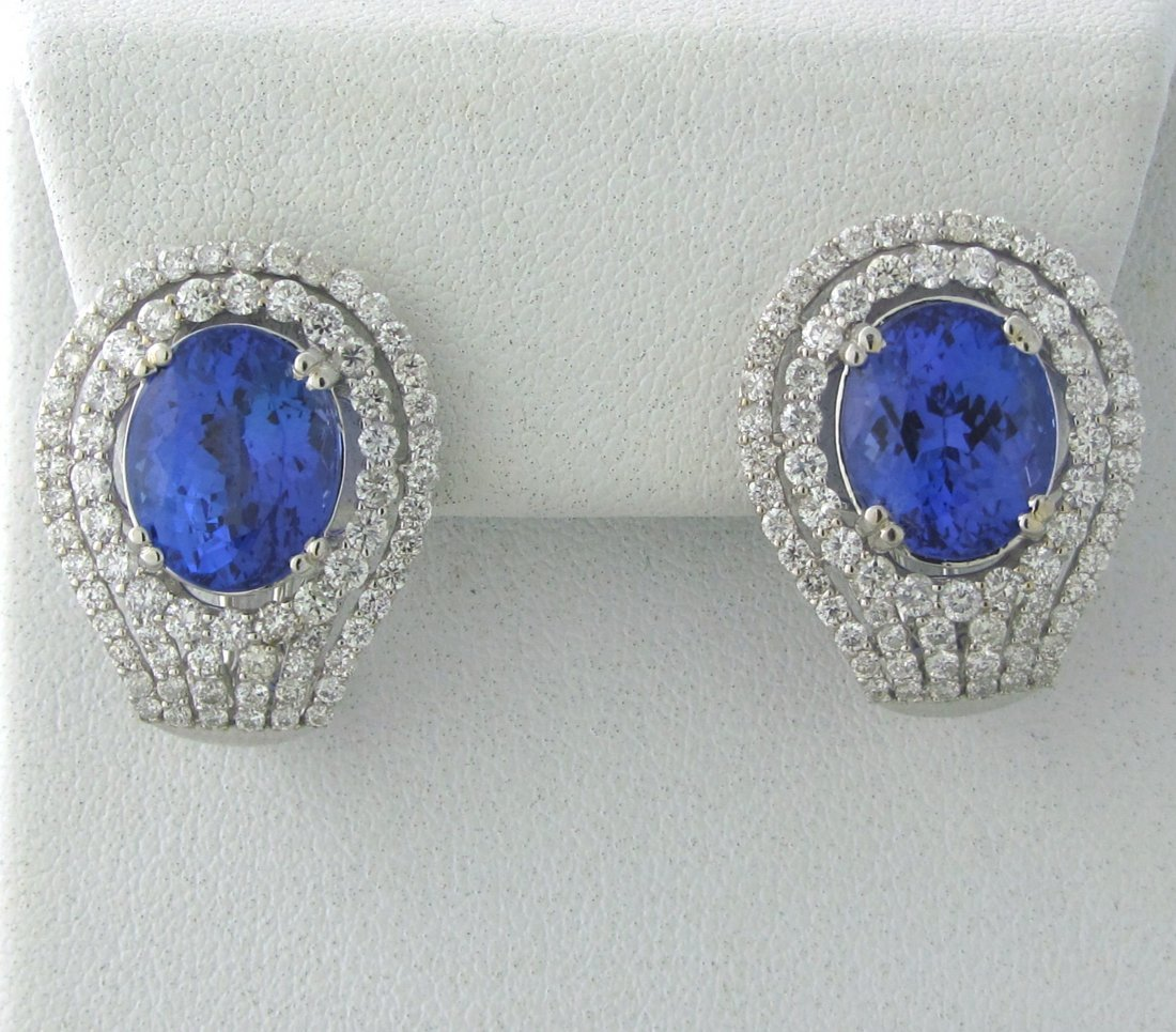 009: 18k Gold 2.80ctw Diamond 11.56ct Tanzanite Earring