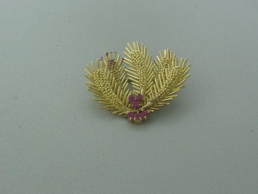 019: Vintage 1970s Tiffany & Co 18k Gold Ruby Brooch Pi