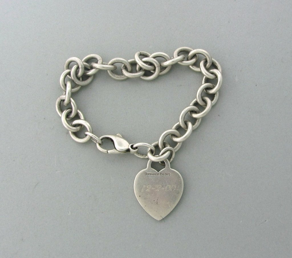 022: Tiffany & Co Sterling Heart Charm Bracelet