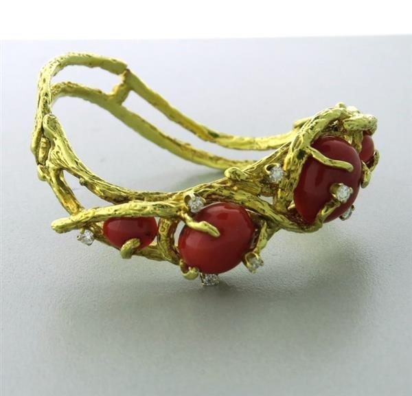 Vintage 1960-70s 14k Gold Coral Diamond Bangle Bracelet
