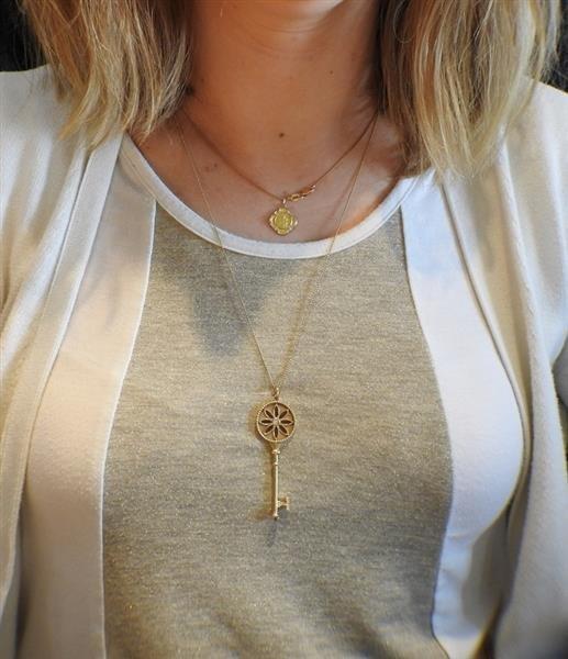 Tiffany & Co. Daisy Key 18K Gold Diamond Pendant - 7