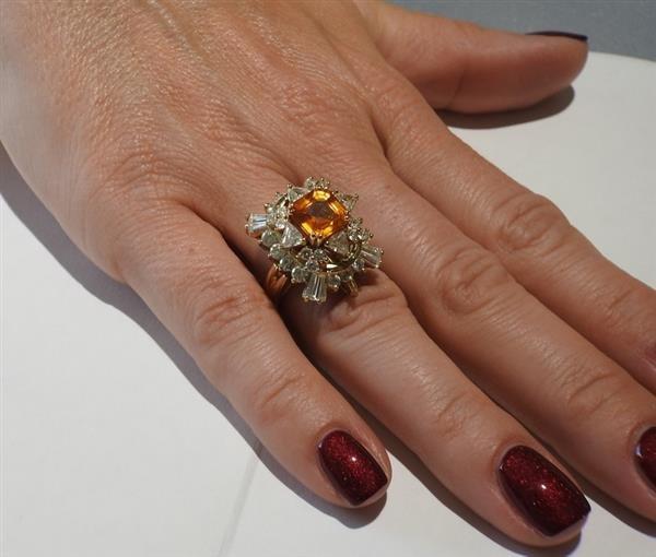 Asscher Cut 4.5ct Orange Sapphire 2.25ctw Diamond 18k - 9
