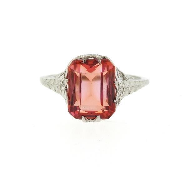 Art Deco 18k Gold Fligree Red Stone Ring