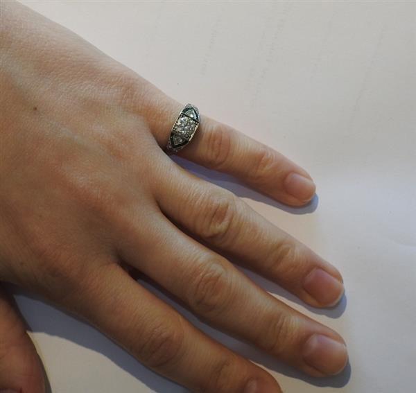 Art Deco Platinum Emerald Diamond Engagement Ring - 4