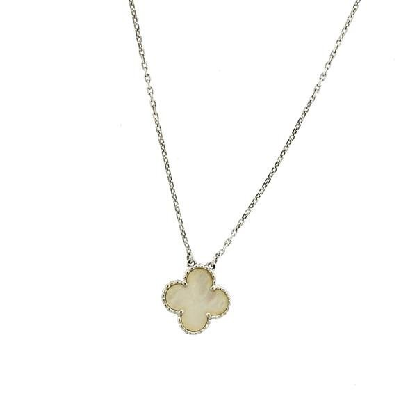 18k Gold Mother of Pearl Clover Pendant Necklace - 2