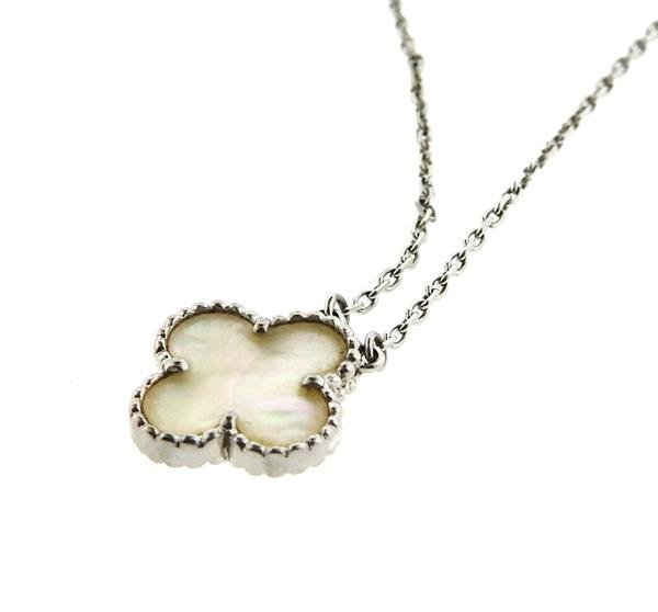 18k Gold Mother of Pearl Clover Pendant Necklace - 4