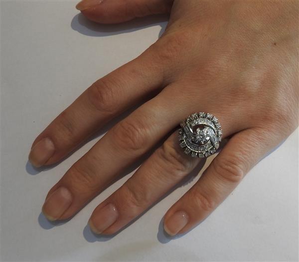 1950s 18K Gold Platinum Diamond Cocktail Ring - 4