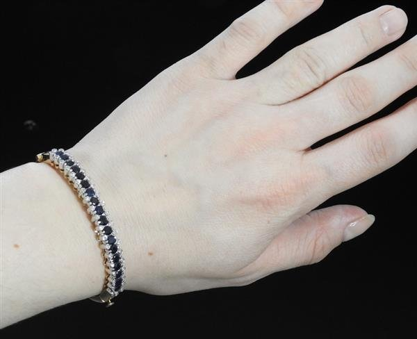 18k Gold Diamond Sapphire Bangle Bracelet - 4