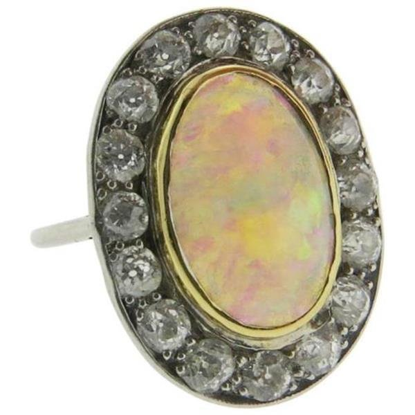 Antique 18k Gold Opal Diamond Ring