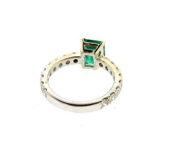 18k Gold 1.59ct Emerald Diamond Engagement Ring - 4